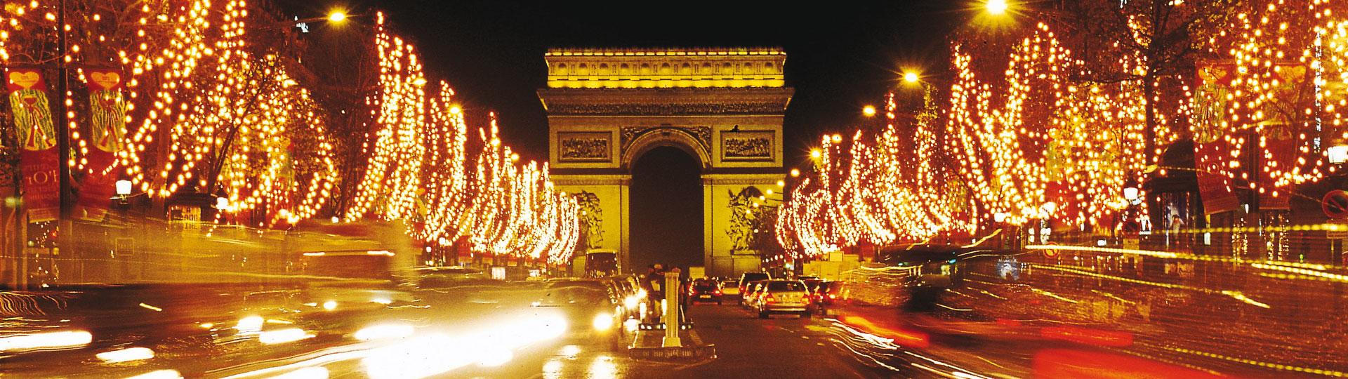 Champs Elysées la nuit lumières